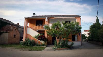 apartmani Azinović