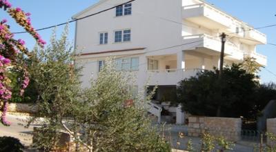 apartmani Angelina Novalja