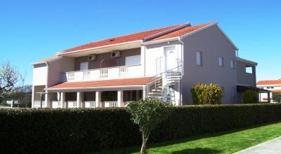 Apartments Nin Ivana