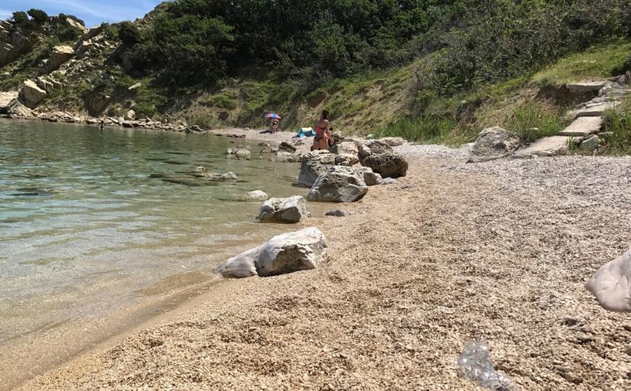 Plaže Dubrava i Delfinka Pag