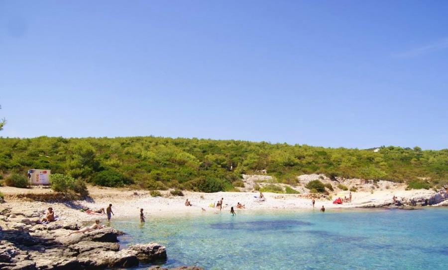 Plaža Rukavac Vis